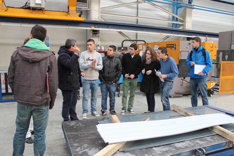 Visita De Estudiantes De Ingeniería En Diseño Mecánico De La UPNA