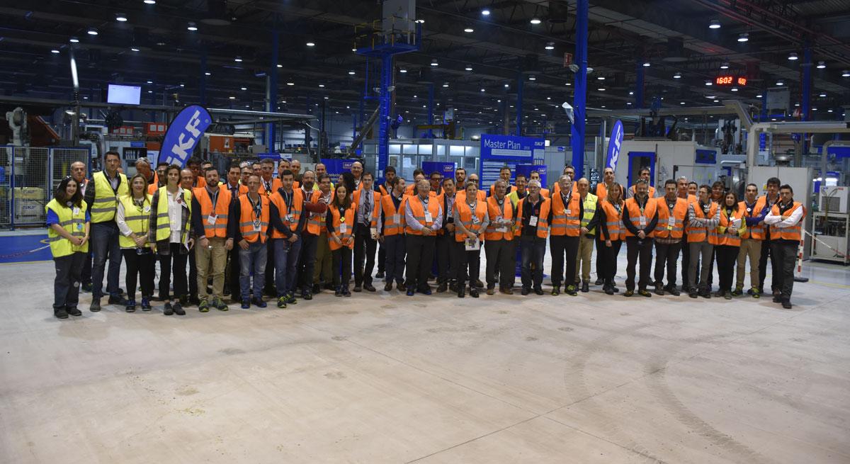 Directivos Asociados A La Fundación Industrial Navarra Visitan La SKF