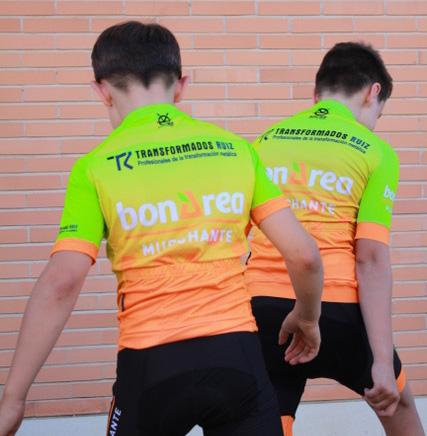 Transformados Ruiz Con Las Jóvenes Promesas Del Deporte